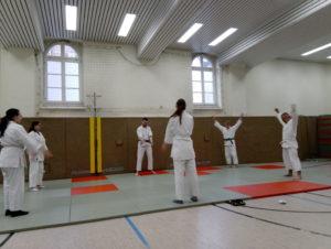 Aikido Jugend und Erwachsene beim Training
